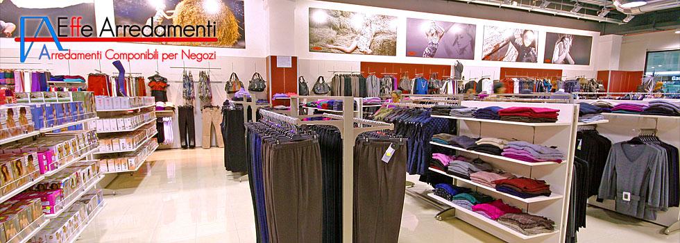 Arredamento negozio di abbigliamento uomo donna bambino a for Arredamenti per negozi di gastronomia