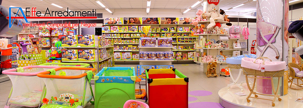 Arredamento negozio abbigliamento di prodotti prima for Arredamenti per bambini