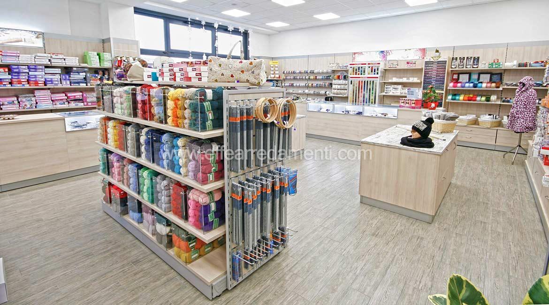 Negozi arredamento perugia arredamento per negozi di for Negozi mobili perugia arredamento