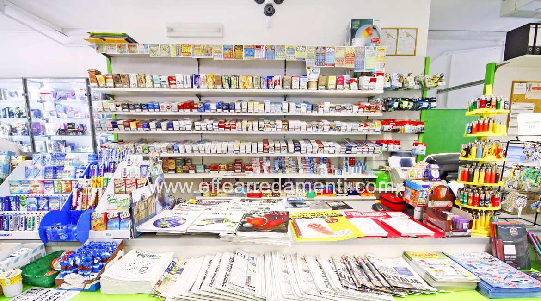 Arredamento per cartoleria tabaccheria ricevitoria reggio for Arredamento giornali