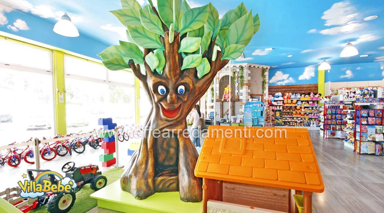 Arredamento negozio bambini scenografia albero