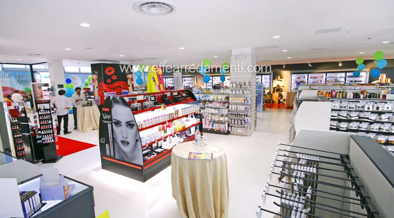 Negozi arredamento verona arredamento negozio usato with for Negozi arredamento casa roma