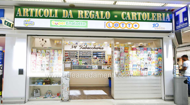 Arredamenti per tabaccheria ricevitoria a bologna for Arredamento cartoleria