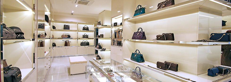 Negozi Arredamento Industriale Roma : Arredo negozio di calzature e ...