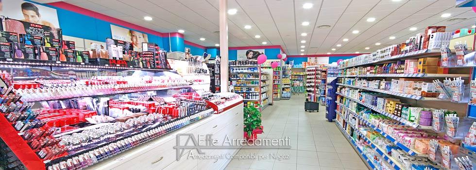 Arredamento negozio profumi detersivi acqua sapone perugia for Negozi arredamento perugia