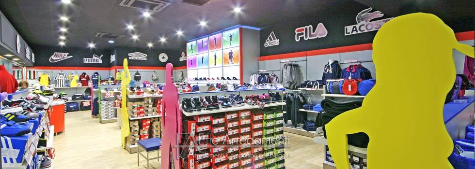 Arredamenti negozi sport benevento for Negozi arredamento campania