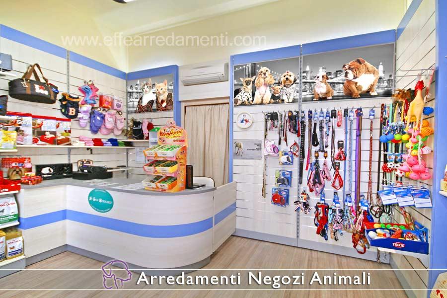 Arredamento negozi prodotti animali effe arredamenti for Piani di garage con lo spazio del negozio