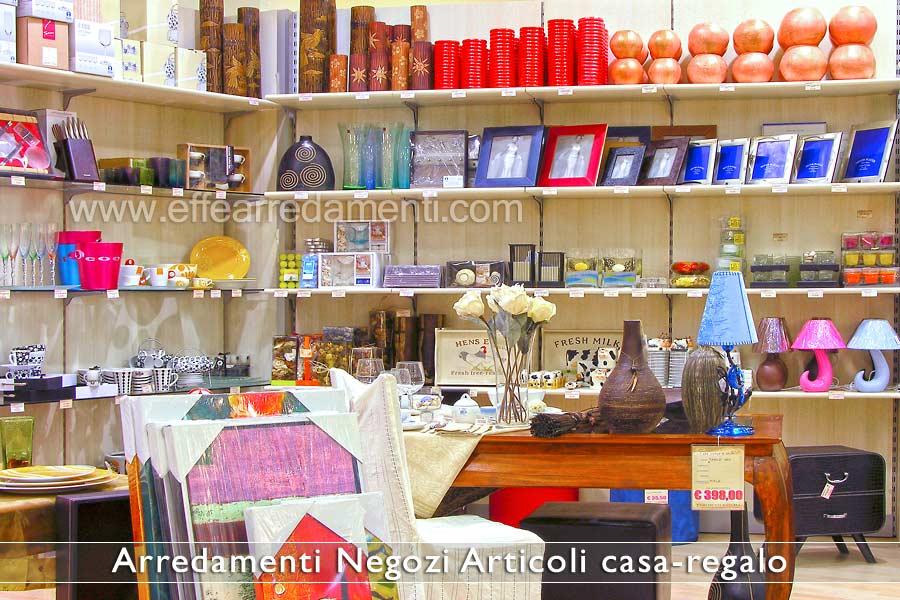 Arredamento negozi articoli da regalo effe arredamenti for Oggettistica d arredo