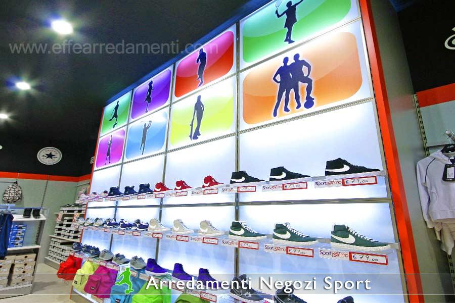 Arredamento negozi sportivi effe arredamenti for Arredamenti per negozi abbigliamento
