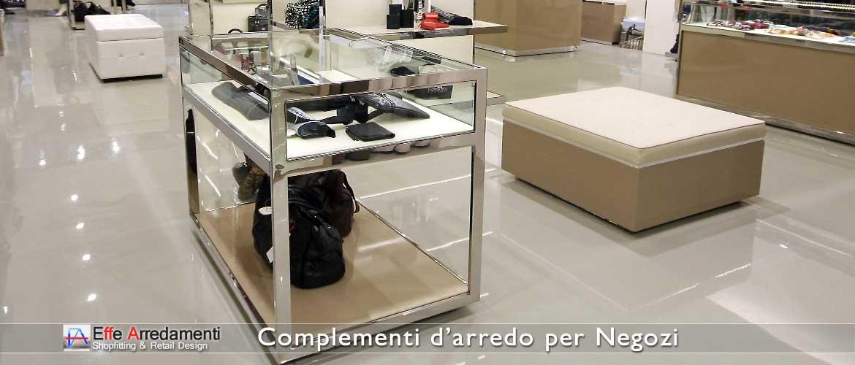 Complementi d 39 arredo per negozi effe arredamenti for Complementi d arredo per bagno