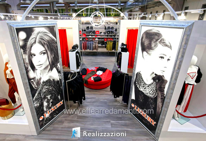 Esempio Realizzazione arredamenti negozi Abbigliamento