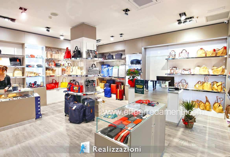 Esempio Realizzazione arredamenti negozi - Bigiotteria - Accessori Moda