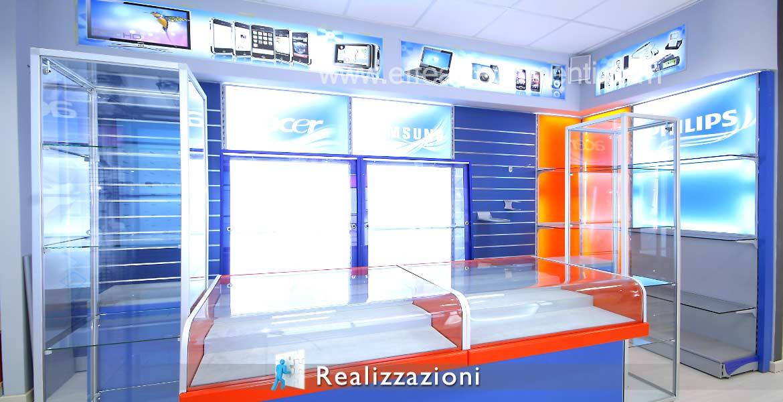 Realizzazioni arredamenti negozi - Computer, Elettrodomestici, Informatica ,Telefonia