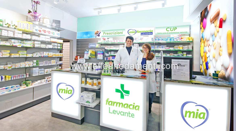 Arredamento negozio a Bologna: Farmacia