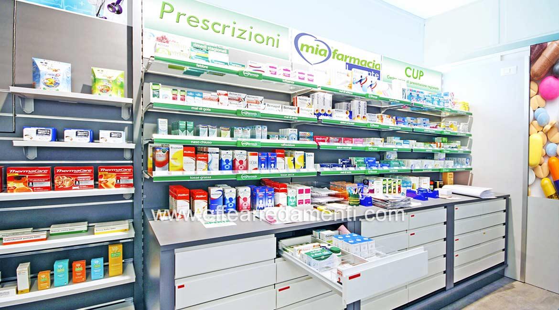 Arredamento retro banco con Cassettiere da Farmaco: Realizzazione a Bologna
