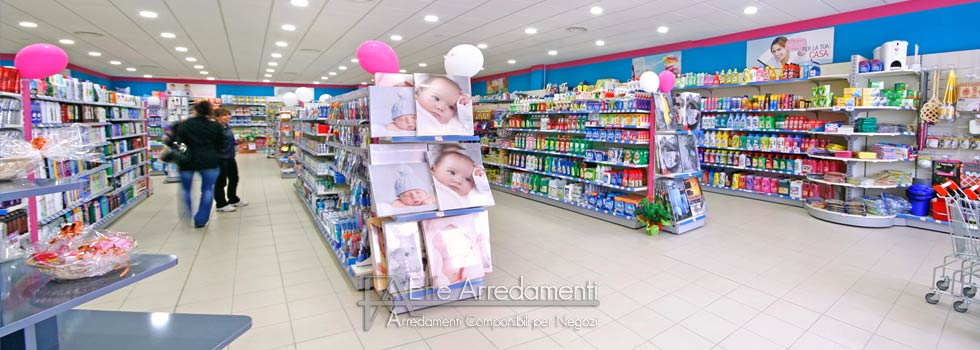 Arredamento negozio a perugia profumeria e prodotti per for Volantino risparmio casa perugia