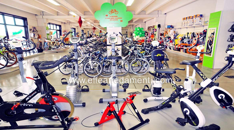 Arredamenti Negozio Cyclette eSpinning Ferrara