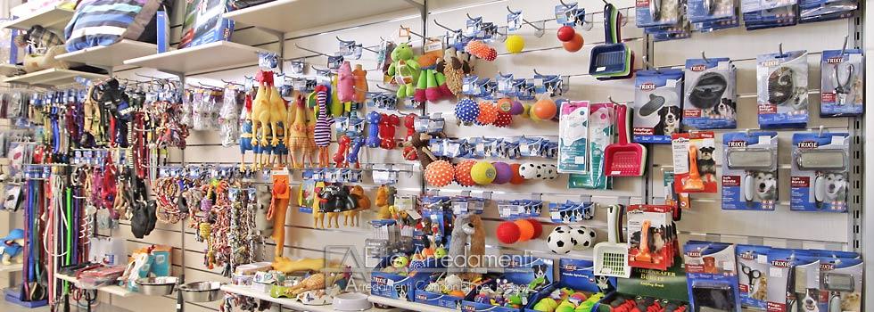 Arredamento negozio a Roma: Articoli per animali - Effe Arredamenti