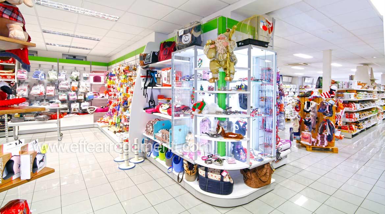 Einrichtung für Belichtungsprodukte Shop Tiere Perugia