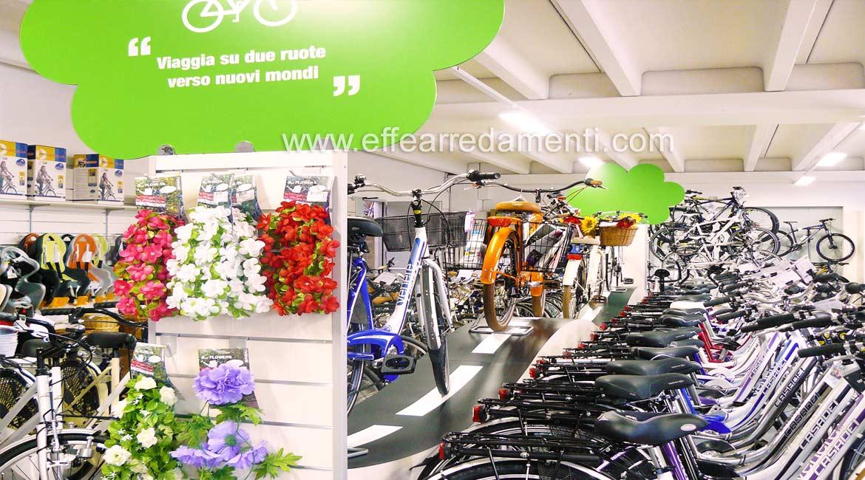 Pedana espositiva per biciclette, riproduzione strada ondulata