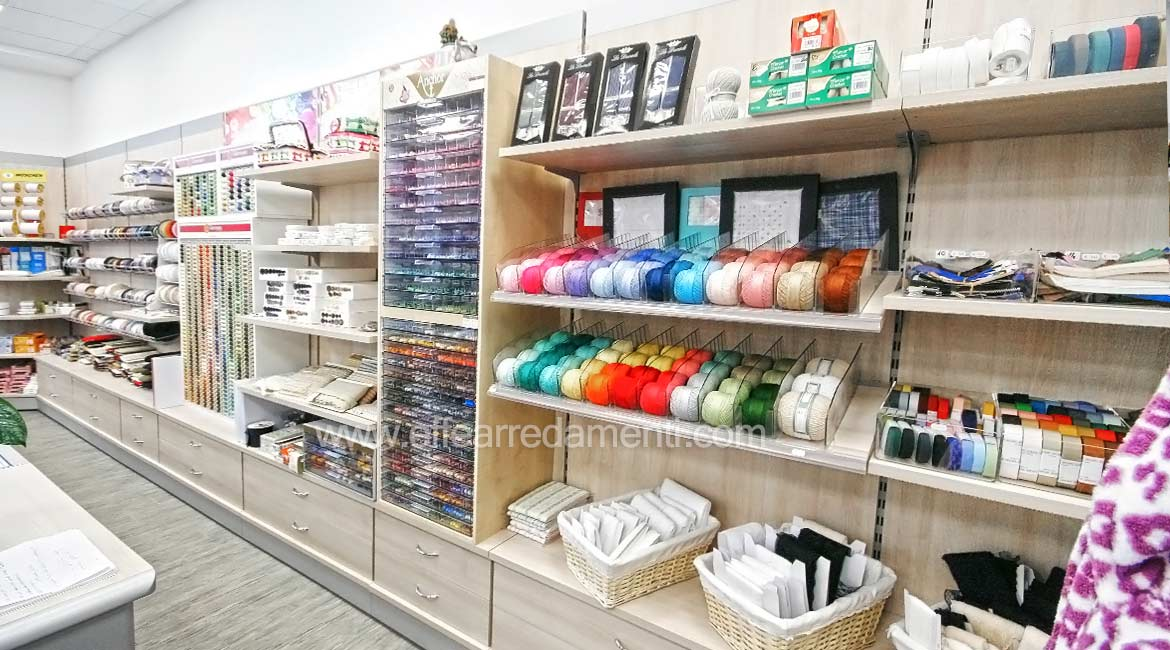 Equipped Wall Exposure Yarns Balls for Haberdashery