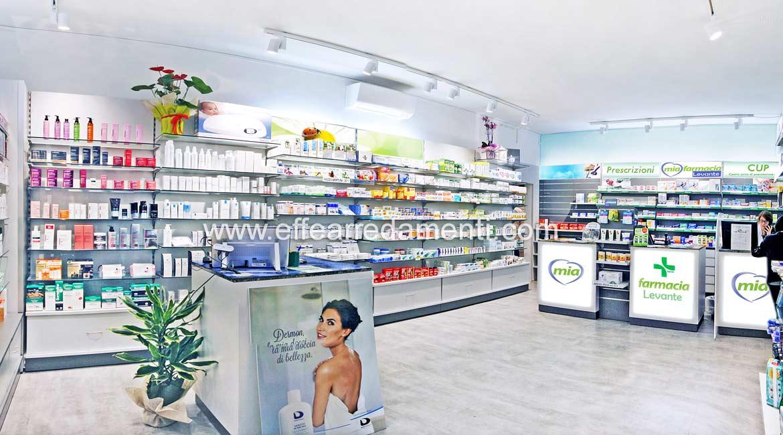 Allestimento Farmacia a Bologna