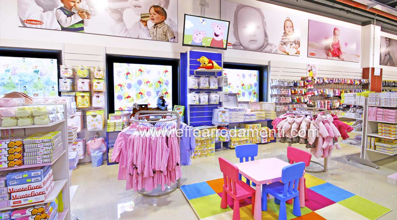 Arredo Grande Negozio reparto Abbigliamento Bambino Neonato Bracciano Roma