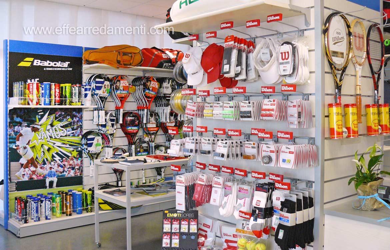 Arredamento negozio a venezia tennis e sport effe for Negozi arredamento vicenza