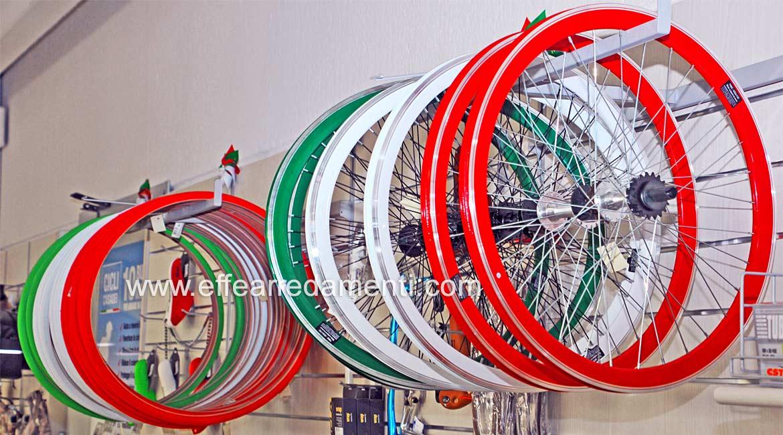 Arredo Per Esposizione cerchioni ruote biciclette