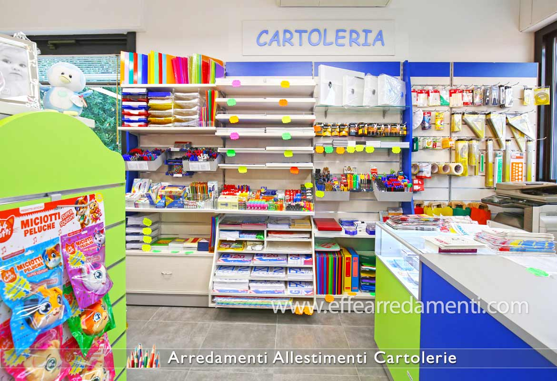 Progettazione e produzione arredamenti per cartolibrerie