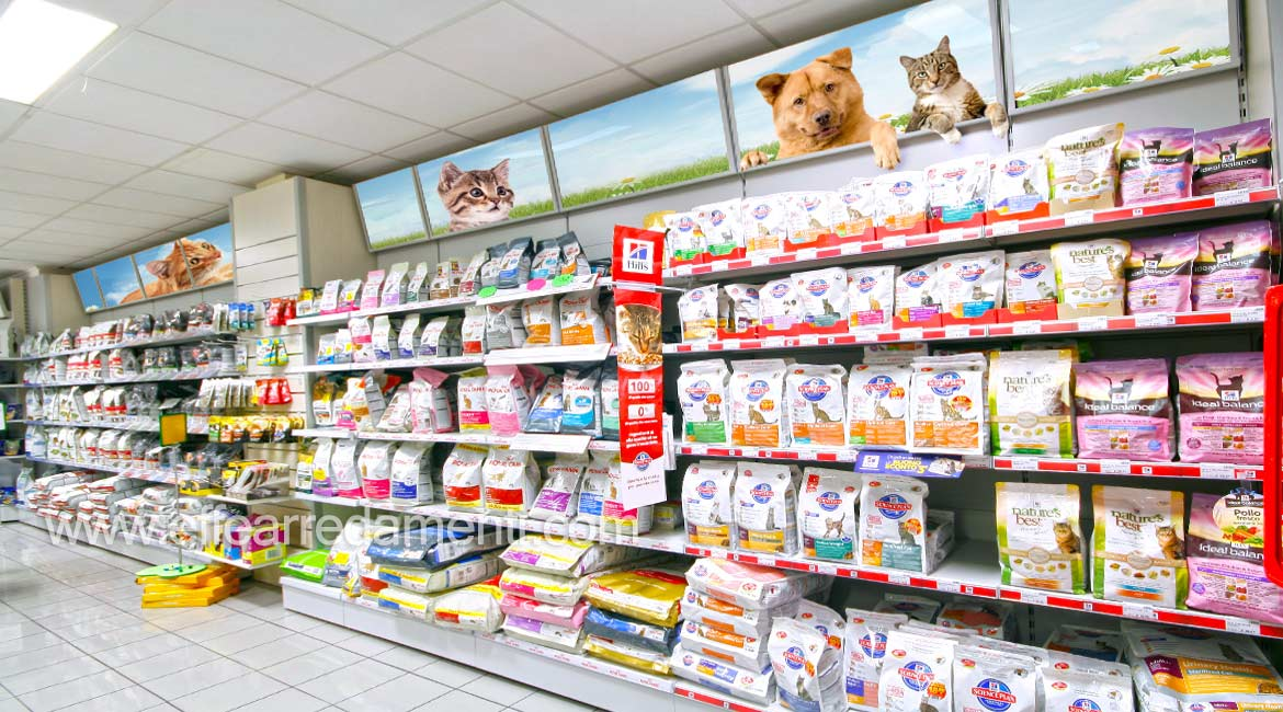 Shelves stores for display crunchy cats dogs