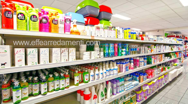 Einrichtungsgegenstände zeigen Shampoo-Reiniger, die Tiere reinigen