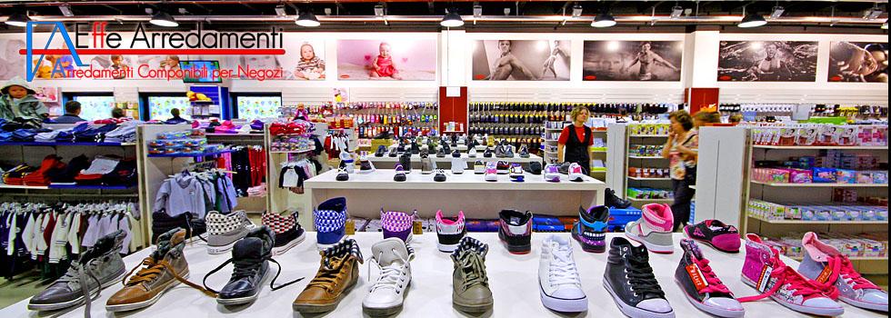 Mobilier professionnel à Bracciano: Vêtements