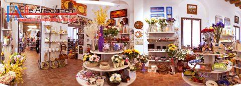 arredamenti-allestimenti-negozi-articoli-da-regalo-e-casalinghi-senigallia-ancona-010