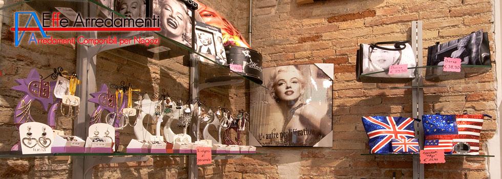 Arredamento negozio a Senigallia: casalinghi e idee regalo