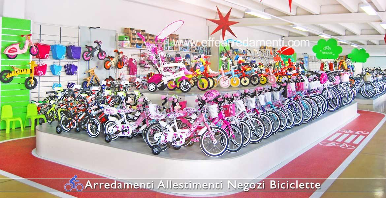 Arredamento Esposizione Pedane Biciclette Bambini e Tricicli