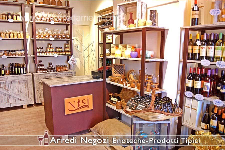 Meubles et étagères pour magasin de produits typiques