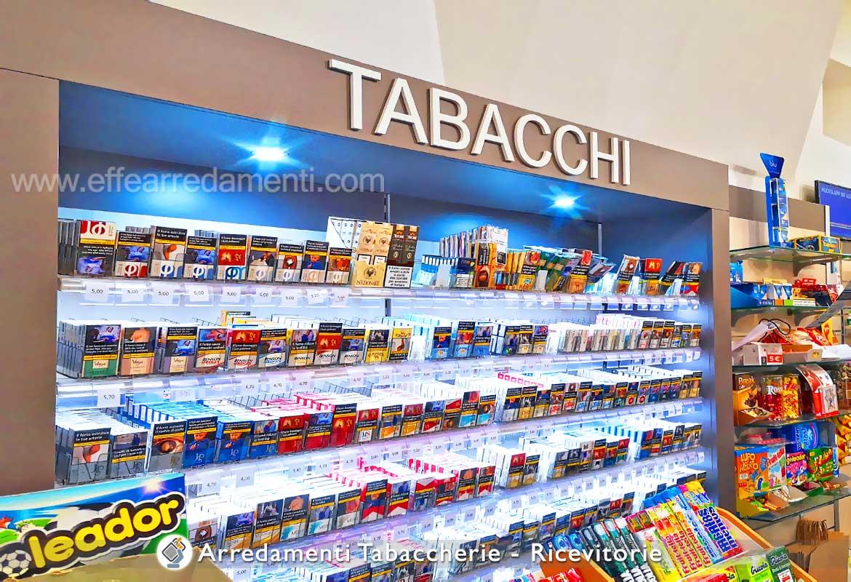 Espositori sigarette illuminati per Tabaccheria Ricevitoria