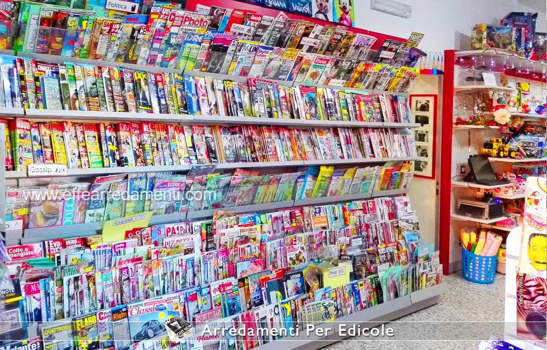 Allestimento Edicole Parete esposizione riviste giornali
