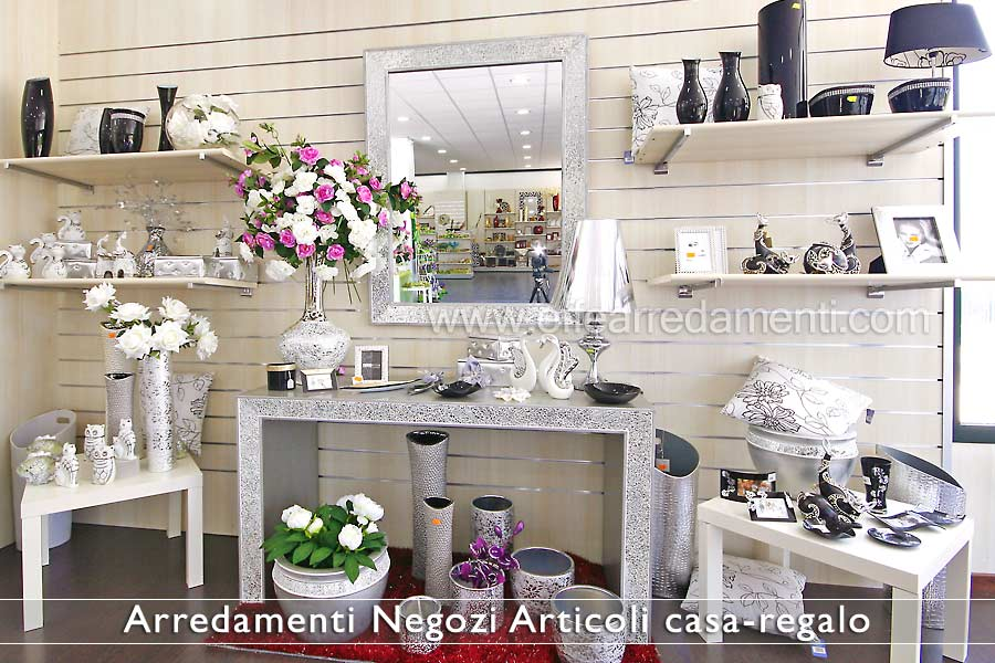 Arredamenti per negozi articoli da regalo effe arredamenti - Idea casa arredamenti ...