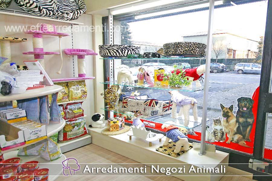 Arredamenti per negozi prodotti animali effe arredamenti for Piani di garage con lo spazio del negozio