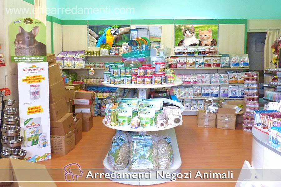 Arredamenti per negozi prodotti animali effe arredamenti for Primopiano arredamento