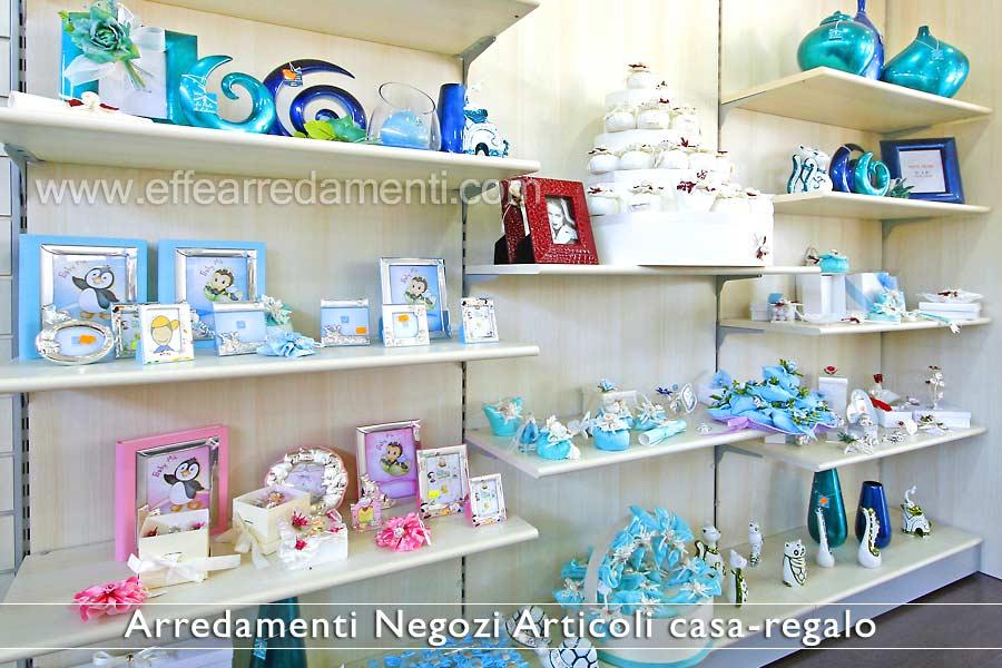 Arredamenti per negozi articoli da regalo effe arredamenti for Arredamenti low cost