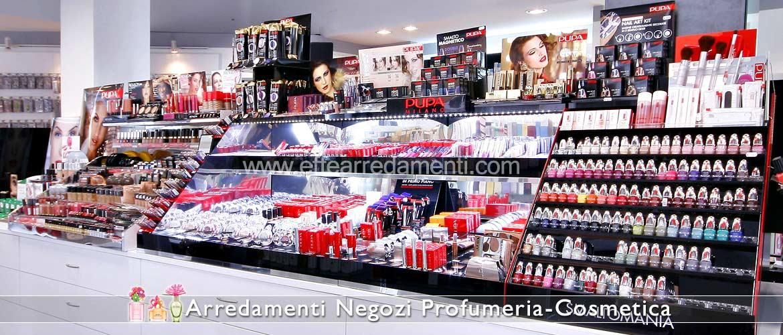 Meubles pour la boutique de cosmétiques et maquillage