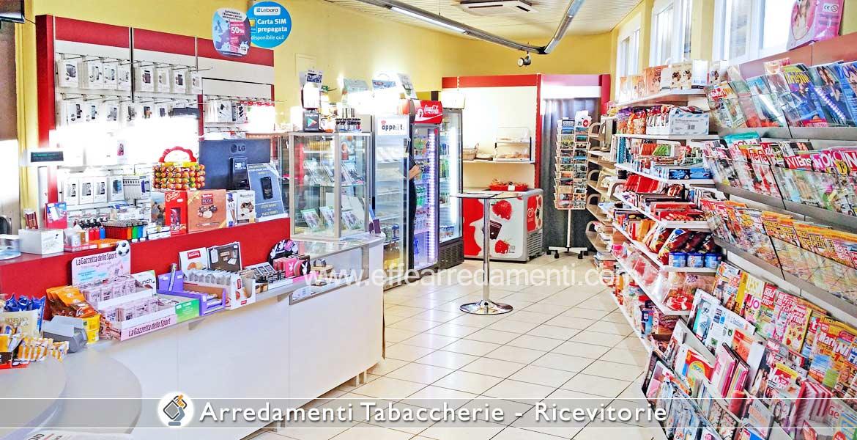 Arredamenti per tabaccherie ricevitorie bar effe arredamenti for Arredamento edicola