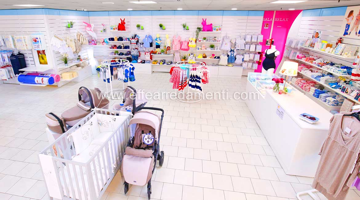 Furniture For Clothing Store Infants in Viterbo