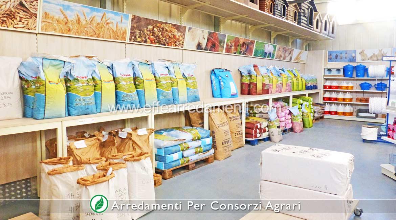 Arredo per Consorzi Agricoli esposizione Mangimi Allevamenti