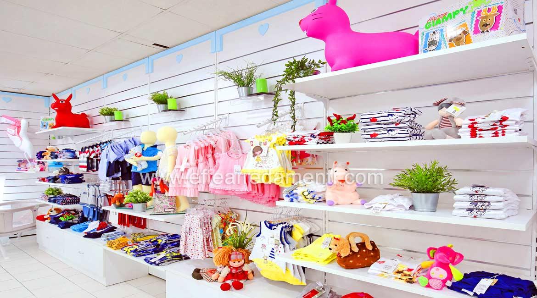 Parete Esposizione Abbigliamento Per Neonati negozio Viterbo