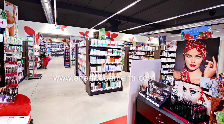 Arredamenti Negozio Super Store di Cosmetica, Profumeria, Make up, e Pulizia Verona