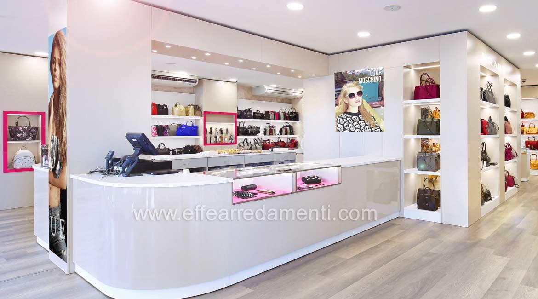 该区域的家具陈设品店粉红色皮革制品包包配饰鞋类Bastia Umbra